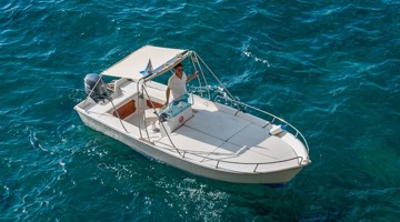 Boat rentals from €240
